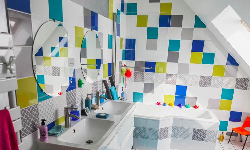 Ideas para crear un cuarto de baño familiar