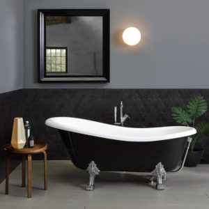 bañera color negro