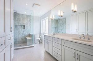 espejo iluminación cuarto de baño
